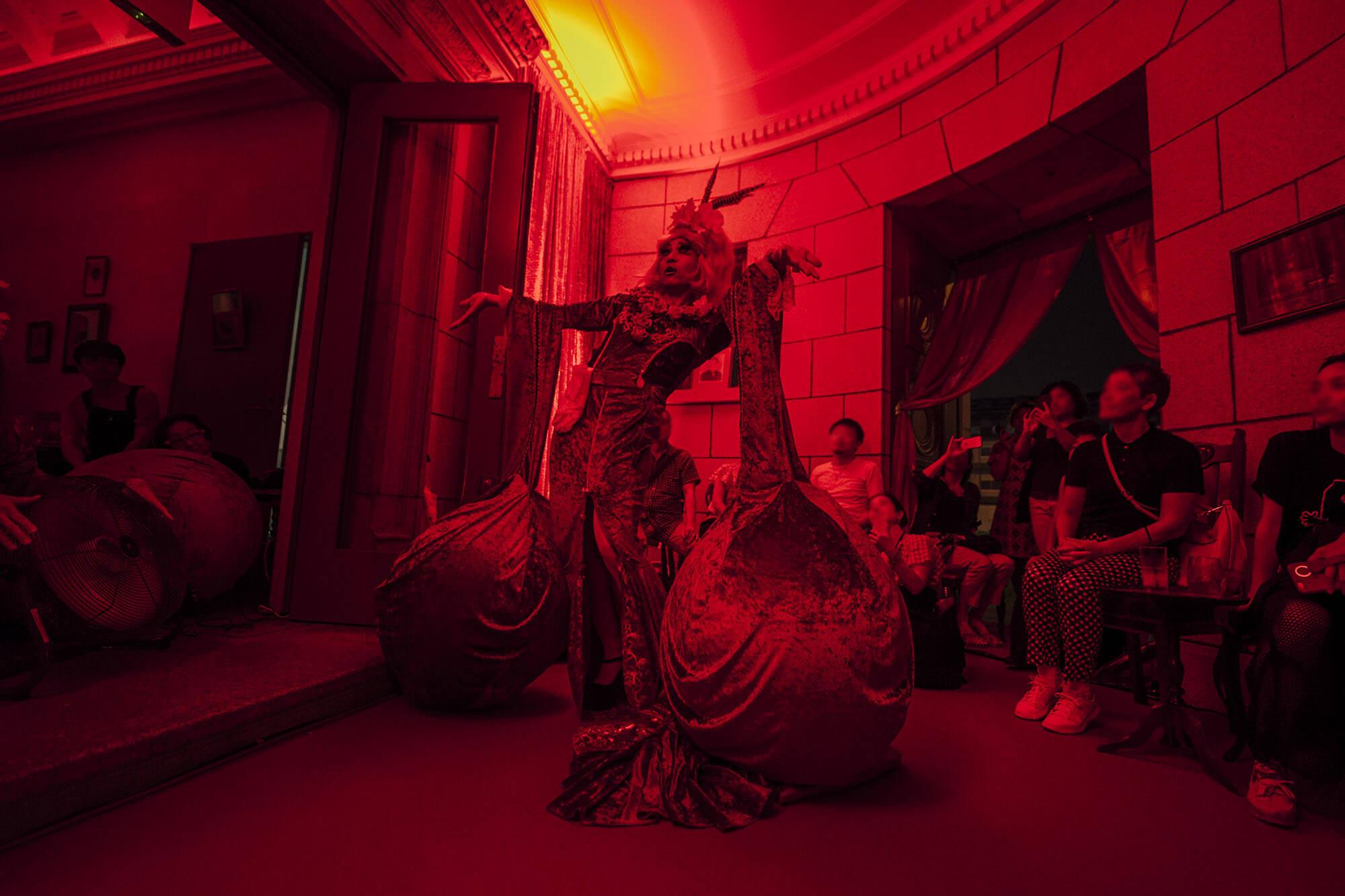 アートラウンジ RED ROOM|offsociety inc. Red Room Yokohama 現代美術・アート Contemporary Art